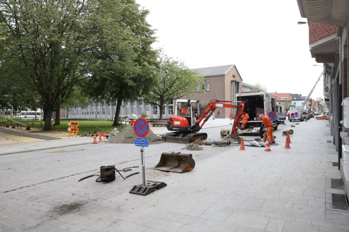Waterleiding van fontein niet bestand tegen zwaar verkeer