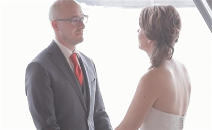 Wordt dit een nieuwe trend: het snelhuwelijk? (video)