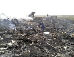 FOTO: Boeing neergestort in Oekraïne