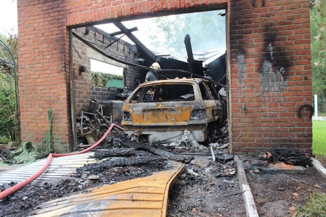Garage brandt uit door defecte autobatterij
