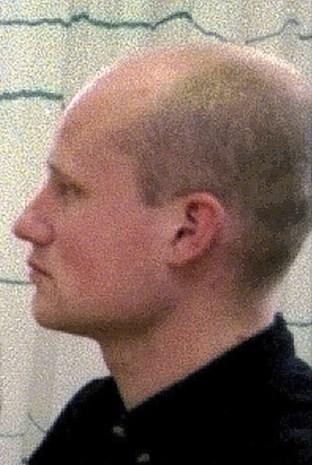 Moordenaar Pim Fortuyn mag zonder enkelband rondlopen