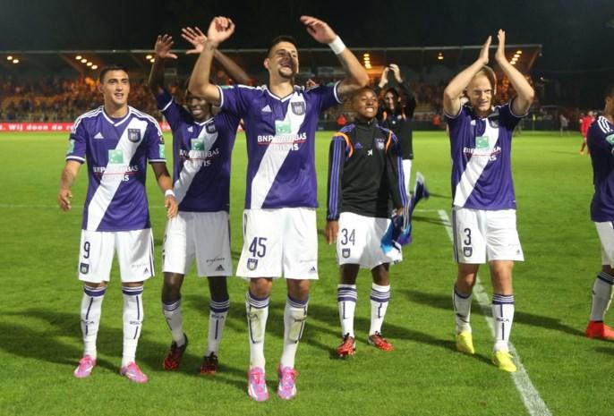 Mitrovic en Suarez slepen mak Anderlecht voorbij Oostende