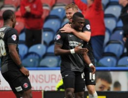 Vetokele redt Charlton in blessuretijd