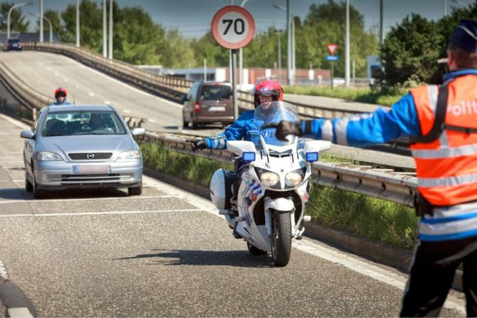Politiezones moeten 10 miljoen euro teruggeven