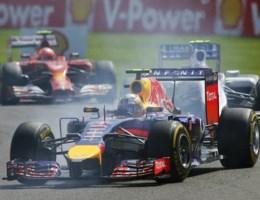 Ricciardo zegeviert op Spa-Francorchamps