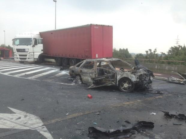 Auto crasht na politieachtervolging: chauffeur kritiek