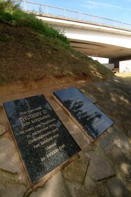 Vermiste gedenkstenen gesneuvelde bevrijders in gemeentemagazijn