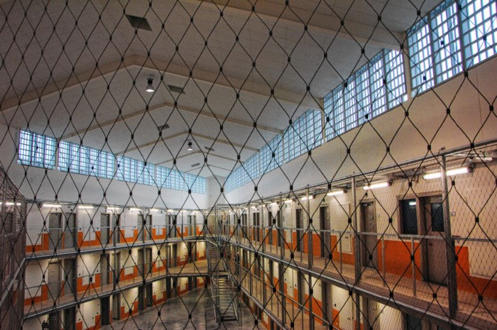 'Superbeveiligd' internet, maar gevangenen mailen erop los