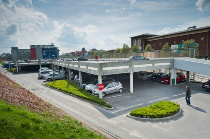 Bouw extra verdieping parking Zandpoortvest start maandag