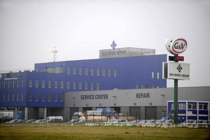 Opslagplaats bij Van Moer in Zwijndrecht ontruimd na chemische reactie in container