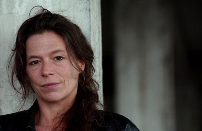 Vlaamse actrice heeft hartzeer nadat ze kinderen moest wegdoen