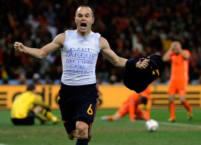 Andrés Iniesta wint Golden Foot Award