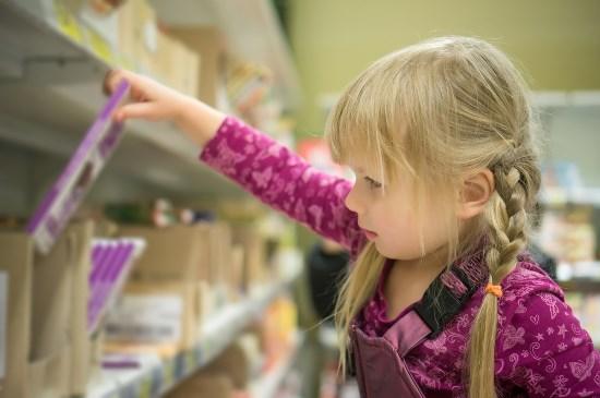 'Reclame met figuurtjes doet kinderen ongezond eten'