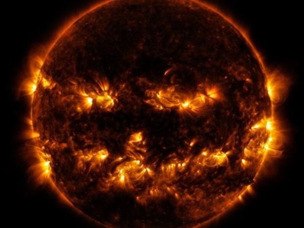 Griezelig: NASA toont foto van Halloween-zon