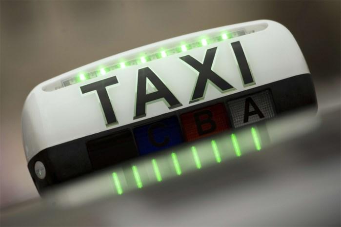 'Blanke taxichauffeur bestellen? Klant is koning!'