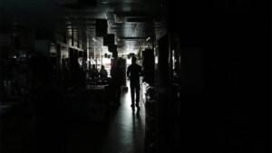 Elektriciteitspanne zet heel Bangladesh zonder stroom