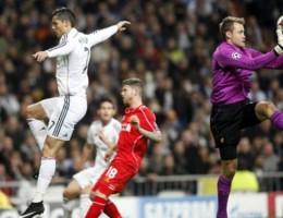 CHAMPIONS LEAGUE. Sterke Mignolet houdt Ronaldo van record, Dortmund foutloos