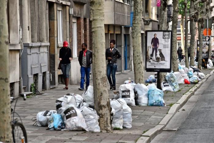 Stad Antwerpen vraagt om donderdag geen papier of PMD buiten te zetten