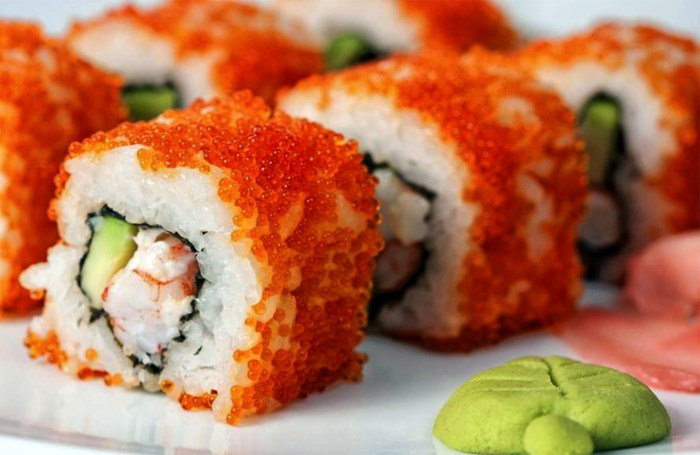 Gewelddadige dief steelt sushi