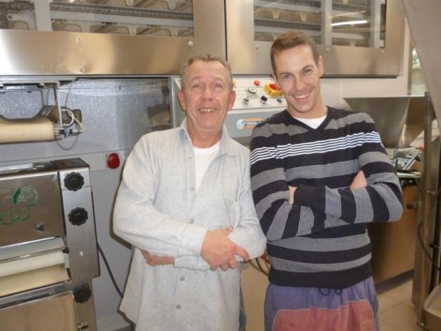 Na vijf weken heropent bakker Wim en zoon Sven hun 'nieuwe' bakkerij
