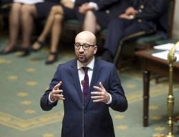 Premier Michel veroordeelt geweld en roept op tot overleg