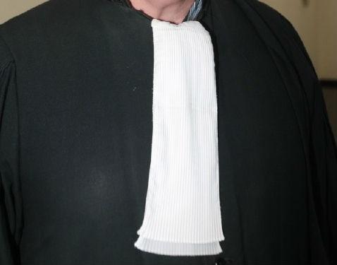 Oplichter geeft zich uit als advocaat