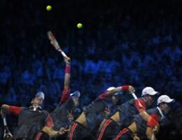 Invaller bezorgt Federer plaats in halve finales Masters