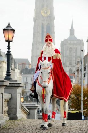 Sinterklaas opent zijn postbus weer