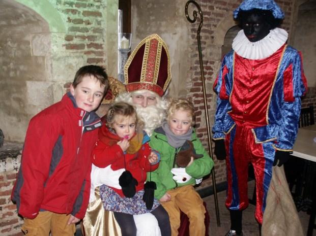 Sinterklaas arriveert met bootje in Lier