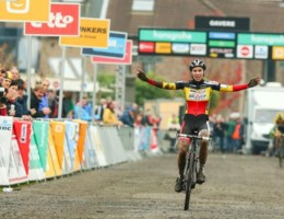 Sanne Cant is beste vrouw in Gavere