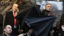 Tsjechische president met eieren bekogeld