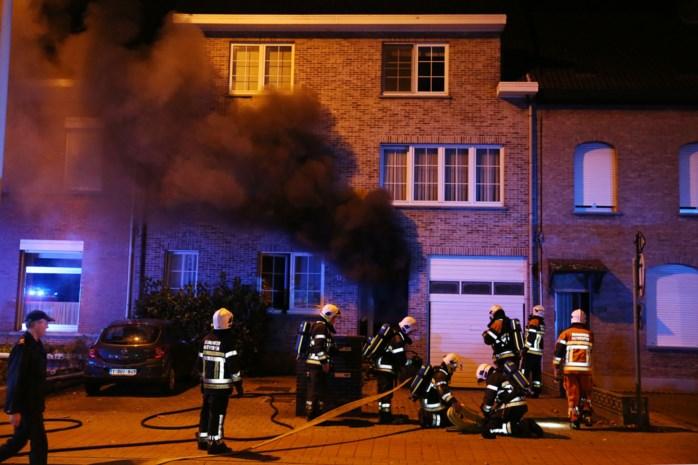Appartement tijdelijk onbewoonbaar na brand in kelder