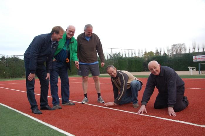 Sport  trots op gloednieuw tennisterrein