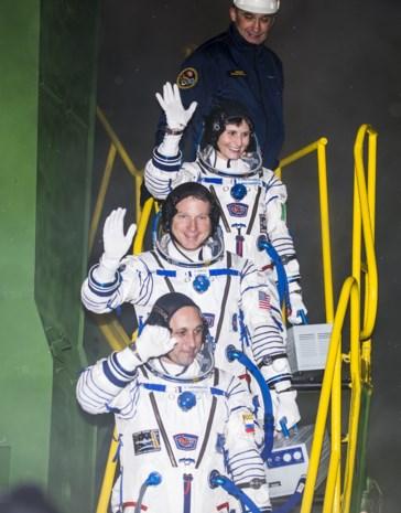 Sojoez-ruimtecapsule bereikt ISS met kaviaar en espresso
