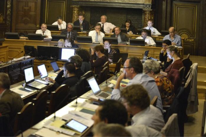 """Oppositie snoeihard voor """"vage en asociale begroting"""""""