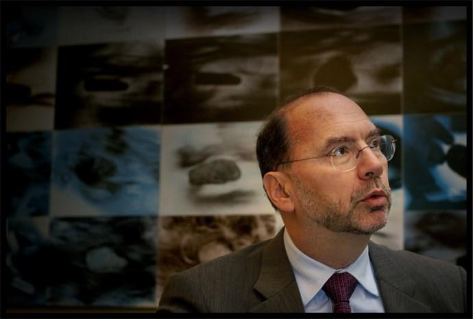 Peter Piot: 'Gevolgen ebola dramatisch voor West-Afrika'