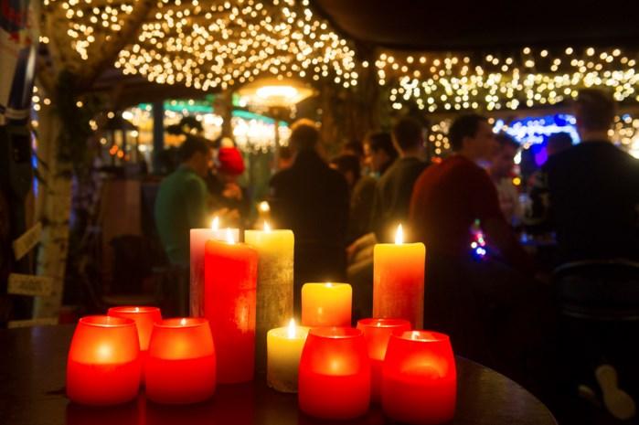 Kerstmarkt stunt met grootste kaars van Europa