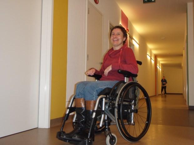 MS-patiënte vraagt motortje op haar rolstoelwielen