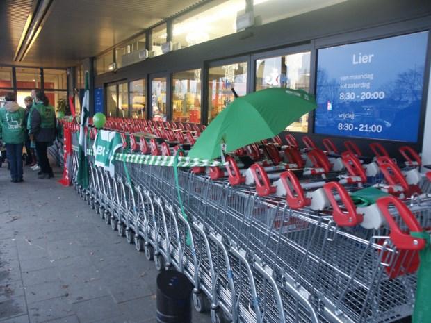 STAKING. Carrefour en Brico gesloten