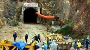 Twaalf arbeiders vast door ingestorte tunnel in Vietnam