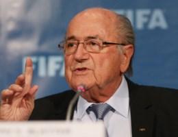 Blatter: 'Zal me inzetten om de reputatie van de FIFA te herstellen'