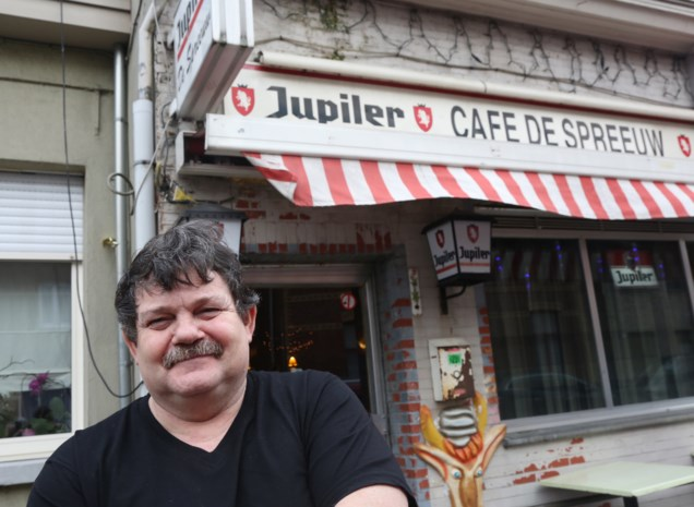 Café De Spreeuw gered door klanten