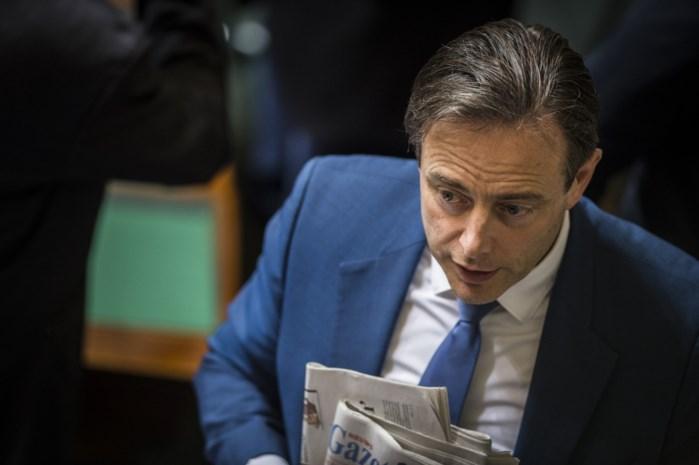 """De Wever: """"Deze federale regering is een tijdelijke tussenoplossing"""""""