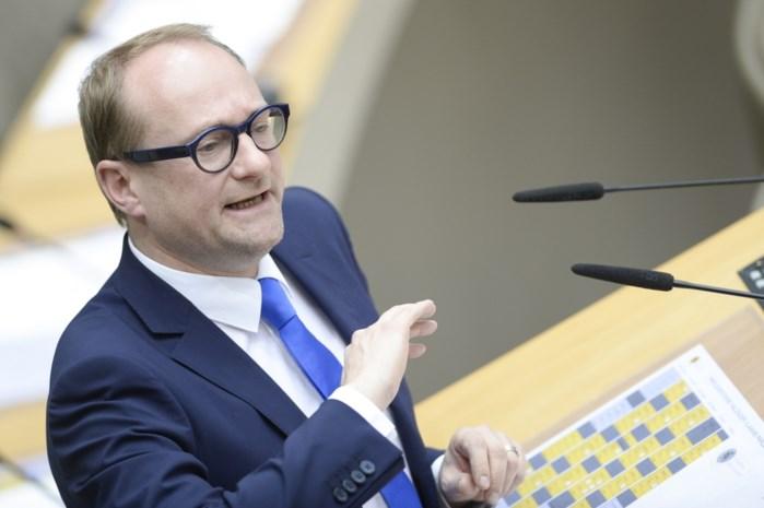 Weyts: 'Verontrustend dat een derde van inwoners Vlaamse Rand geen Nederlands kent'
