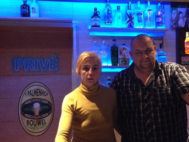 Dieven stelen 4000 euro en tien flessen dure gin