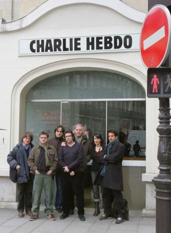 Cartooniste getuigt over aanslag Charlie Hebdo: 'Ik heb me verstopt onder een bureau'