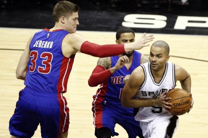 Spurs ontgoochelen opnieuw, Suns boeken zege