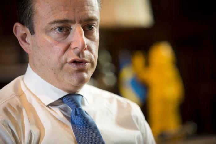 """De Wever: """"Het leger inzetten als het nodig is"""""""