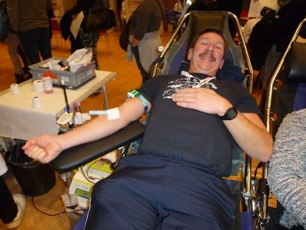 Chris en Walter samen goed voor 242 bloedgiften