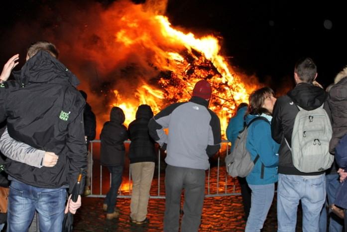 Kerstboomverbranding ten voordele van vzw Marjan